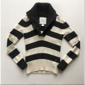 American Eagle Small Gray Striped Wool Sweater